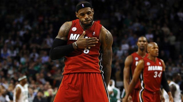 Basketball - LeBron leads Heat to 23rd straight win