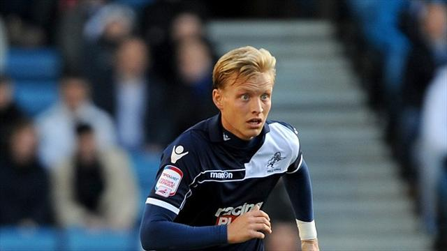 League One - Orient land Wright from Millwall
