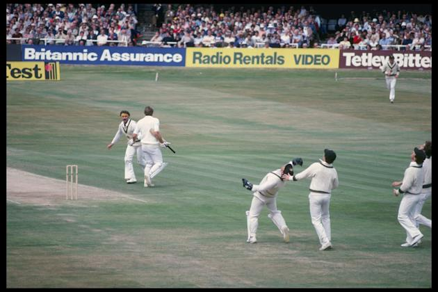 Rodney Marsh of Australia breaks the world record