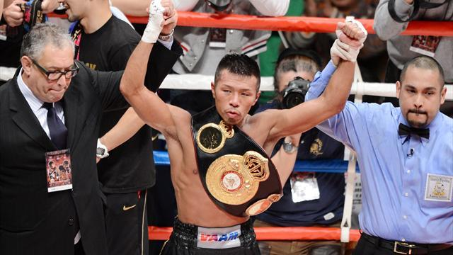 Boxing - Uchiyama stops Vasquez to retain WBA crown