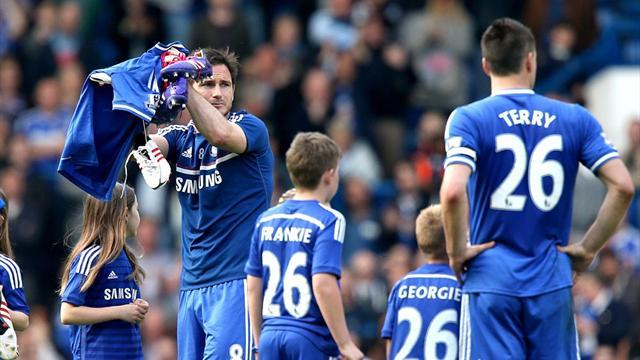 Football - Chelsea to wait on old guard's future