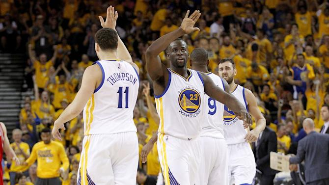NBA playoff scores 2016: Draymond Green and Klay Thompson don't need Stephen Curry to take over