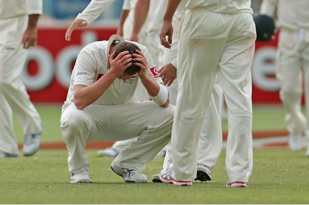 ADELAIDE, AUSTRALIA - NOVEMBER 26:  Peter Siddle of Australia reacts at the conclusion of day five of the Second Test Match between Australia and South Africa at Adelaide Oval on November 26, 2012 in