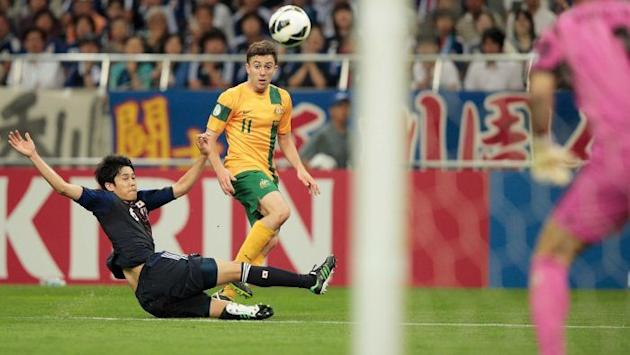 Oar lobs Socceroos into lead against Japan