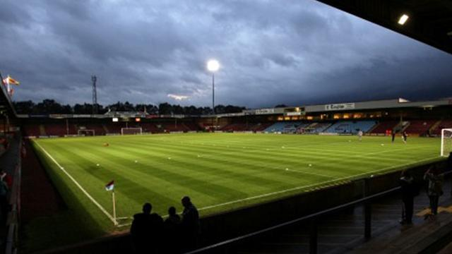 League Two - Swann targets Chesterfield clash