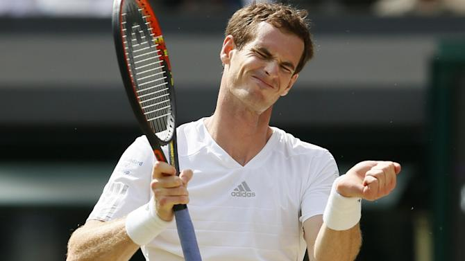 Wimbledon - Defending champion Murray shocked by Dimitrov