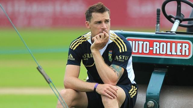 Cricket - South Africa to take late decision on Steyn fitness