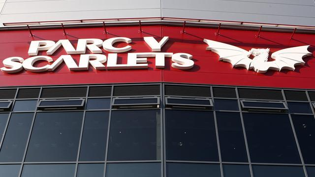 Rugby - Scarlets end on a high