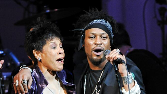 "Singers Bettye Lavette and D'Angelo perform together at ""The Music of Prince"" tribute concert at Carnegie Hall on Thursday March 7, 2013 in New York. (Photo by Evan Agostini/Invision/AP)"