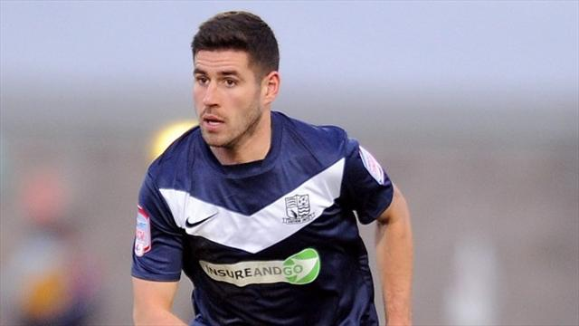 League Two - Timlin extends Southend stay
