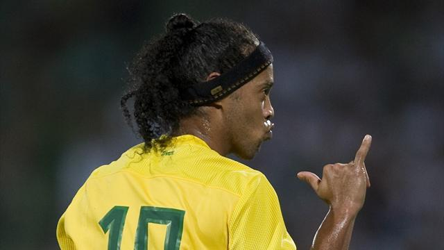 South American Football - Ronaldinho keeps place in Brazil squad to face Chile