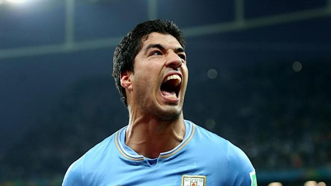 Liga - Suarez unveiling at Barca blocked by FIFA