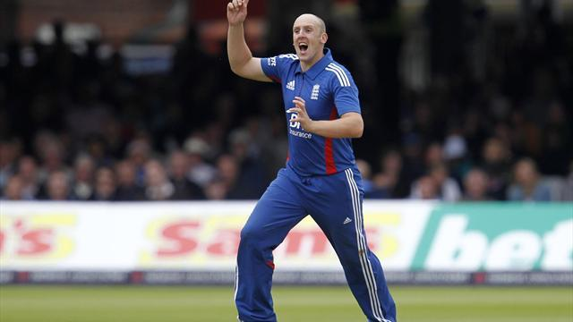 Cricket - Tredwell to make most of opportunity
