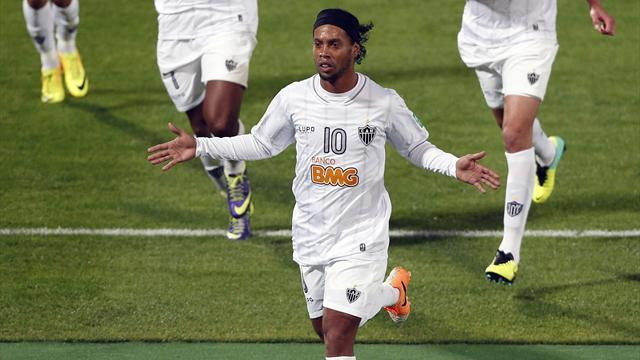 South American Football - Ronaldinho rejects Besiktas, signs new Atletico Mineiro deal