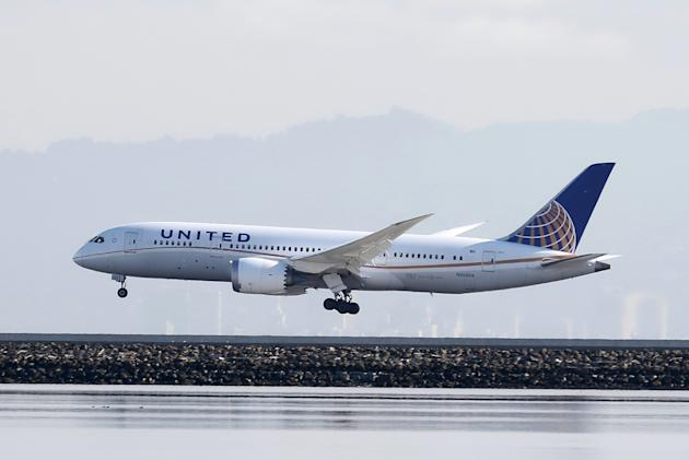 File photo of United Airlines Boeing 787 Dreamliner touching down at San Francisco International Airport, San Francisco