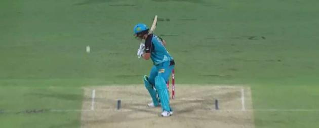 SK Epic Cricket Fails: Brisbane Heat slump to defeat in bizarre fashion