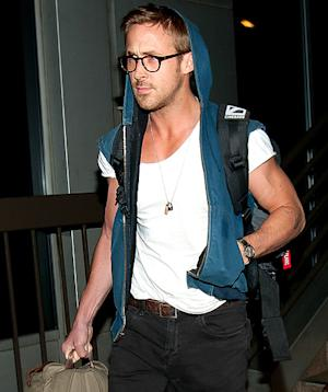 Hot! Ryan Gosling Shows Off Buff Arms