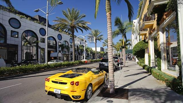 Dollar Store Seeks to Rub Elbows on Rodeo Drive