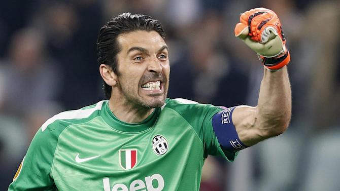 Serie A - Buffon agrees Juve contract extension - report