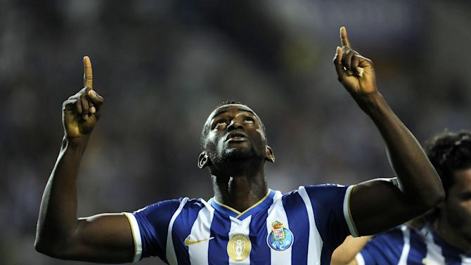 FC Porto's Jackson Martinez, from Colombia, celebrates scoring his team's second goal against Gil Vicente in a Portuguese League soccer match at the Dragao stadium in Porto, Portugal, Saturday, Sept. 14, 2013