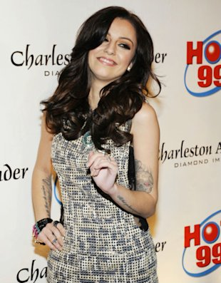 Cher Lloyd Dazzles As Justin Bieber Strikes A Pose At The Jingle Ball In Washington