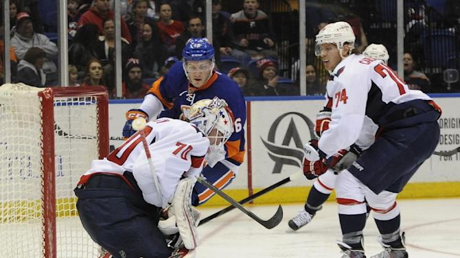 Kuznetsov's SO goal lifts Capitals over Isles 4-3