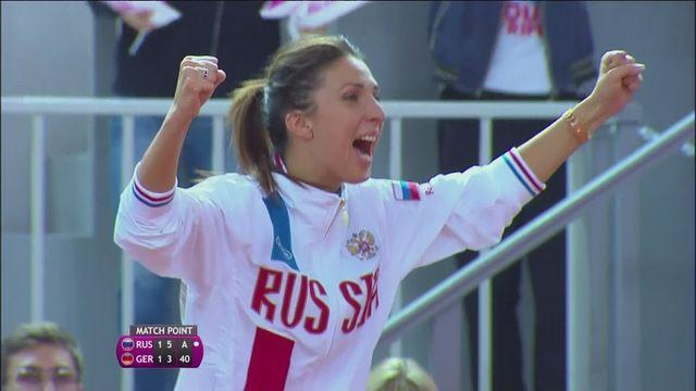 Russians Kuznetsova and Pavlyuchenkova win 2-0 against Germany