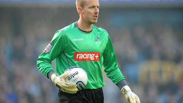 Football - Gas get goalie Mildenhall
