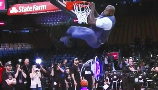Shaq Threw Down This Monster Two Hand Dunk After Charles Barkley Called Him Out