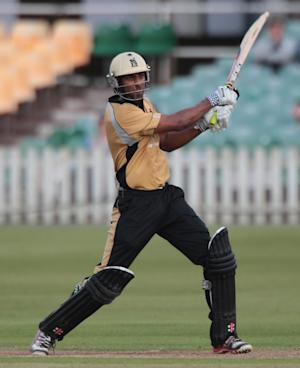Varun Chopra guided Warwrickshire into the CB40 final