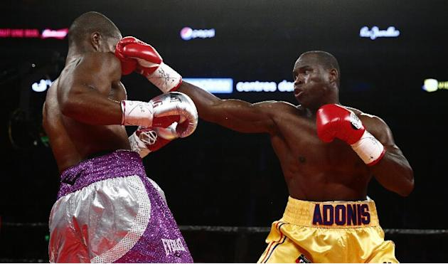 Box - Boxing: Stevenson defends title with fourth round KO