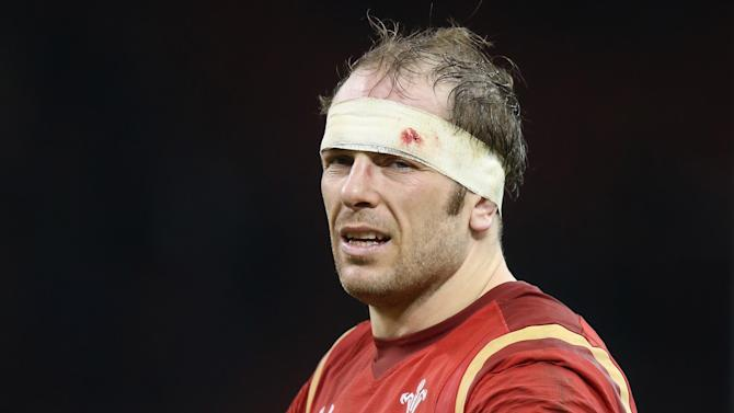 Alun Wyn Jones replaces Sam Warburton as Wales captain for Six Nations