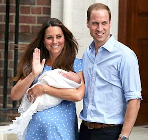 Royal Baby Introduced by Kate Middleton, Prince William in London: First Picture