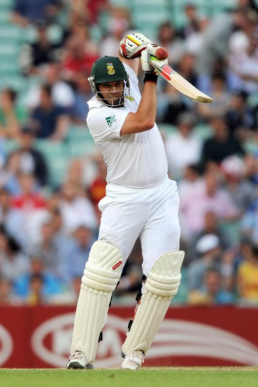 Jacques Kallis will not be able to bowl in South Africa's current Test with Australia