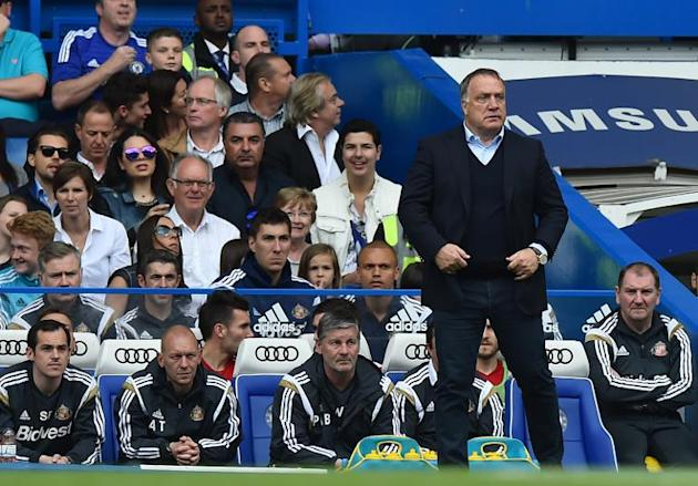 Sunderland's Dutch manager Dick Advocaat looks on during the English Premier League football match between Chelsea and Sunderland at Stamford Bridge in London on May 24, 2015