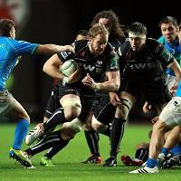 Alun-Wyn Jones, centre, knows Leicester will pose a tough challenge