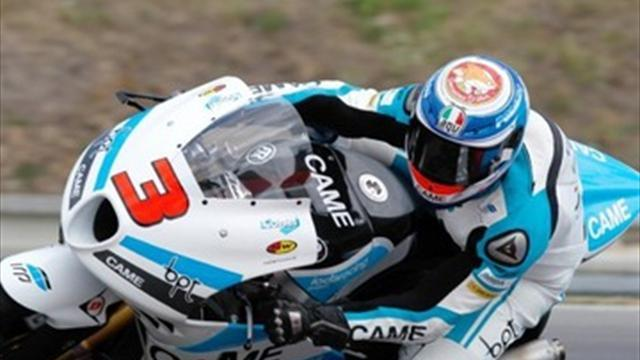 Moto2: Corsi steals Aragon pole