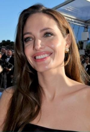 Angelina Jolie's Double Mastectomy Surgery Solves 'Where's Angie' Mystery