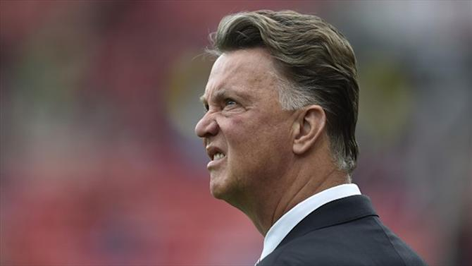 Premier League - Odds slashed on Van Gaal leaving United
