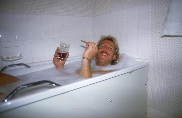 1985 : Ian Botham relaxes in his bath after completing his John O'Groats to Land's End walk for charity. (Photo by Adrian Murrell/Getty Images)