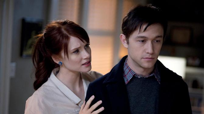 """This publicity film still released by Summit Entertainment shows Bryce Dallas Howard, left, and Joseph Gordon-Levitt, in a scene from the movie """"50/50."""" (AP Photo/Summit Entertainment, Chris Helcermanas-Benge, File)"""