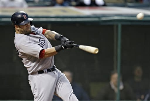 Somber Red Sox regroup, beat Indians 7-2