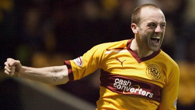 Scottish Premier League - McFadden set for Motherwell stay