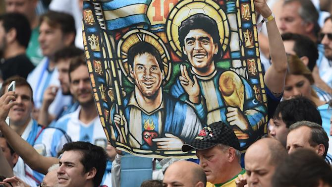 World Cup - 'Exhausted' Messi faces his 'Maradona moment'