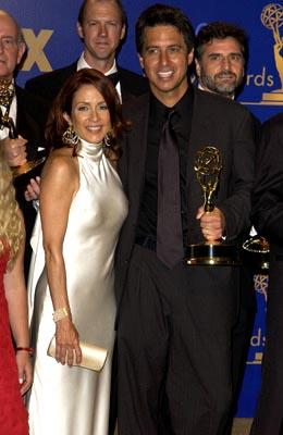 """Patricia Heaton, Ray Romano Outstanding Comedy Series """"Everybody Loves Raymond"""" 55th Annual Emmy Awards - 9/21/2003"""