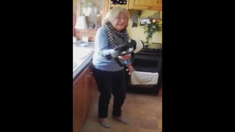 Irish Mom's Hilarious Reaction to Trying Virtual Reality