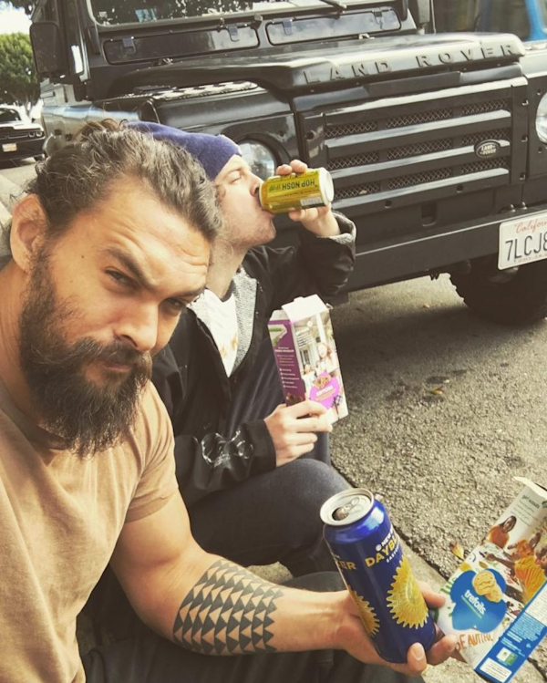 Download Multiple Stock Quotes From Yahoo Finance: Jason Momoa's Fancy Ride Breaks Down, But Beer And Girl
