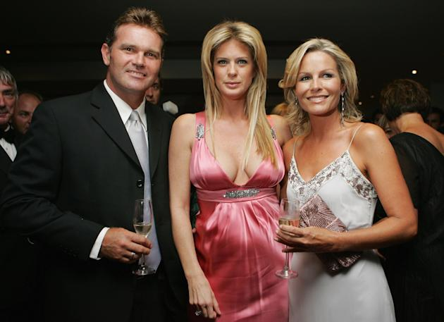 Rachel Hunter Attends Pearl Of The Pacific Gala Dinner [MC15102012]