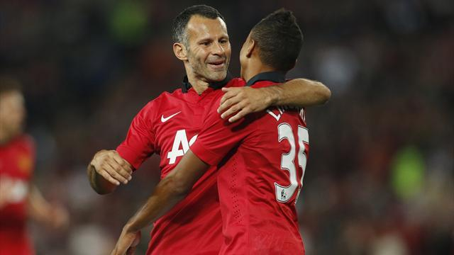 Premier League - Giggs starts Community Shield for Man Utd