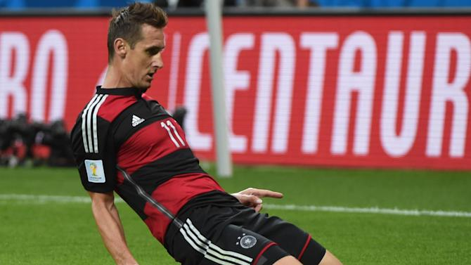 World Cup - Klose scores 16th World Cup goal to break all-time record